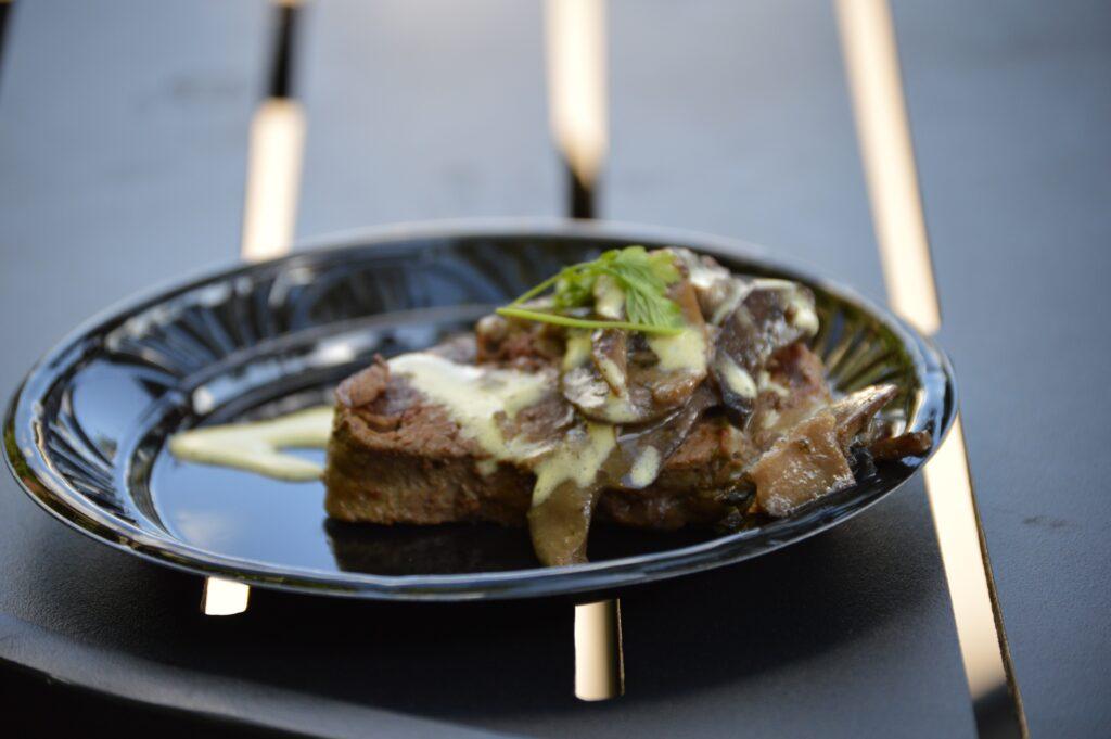 filet steak with mushrooms
