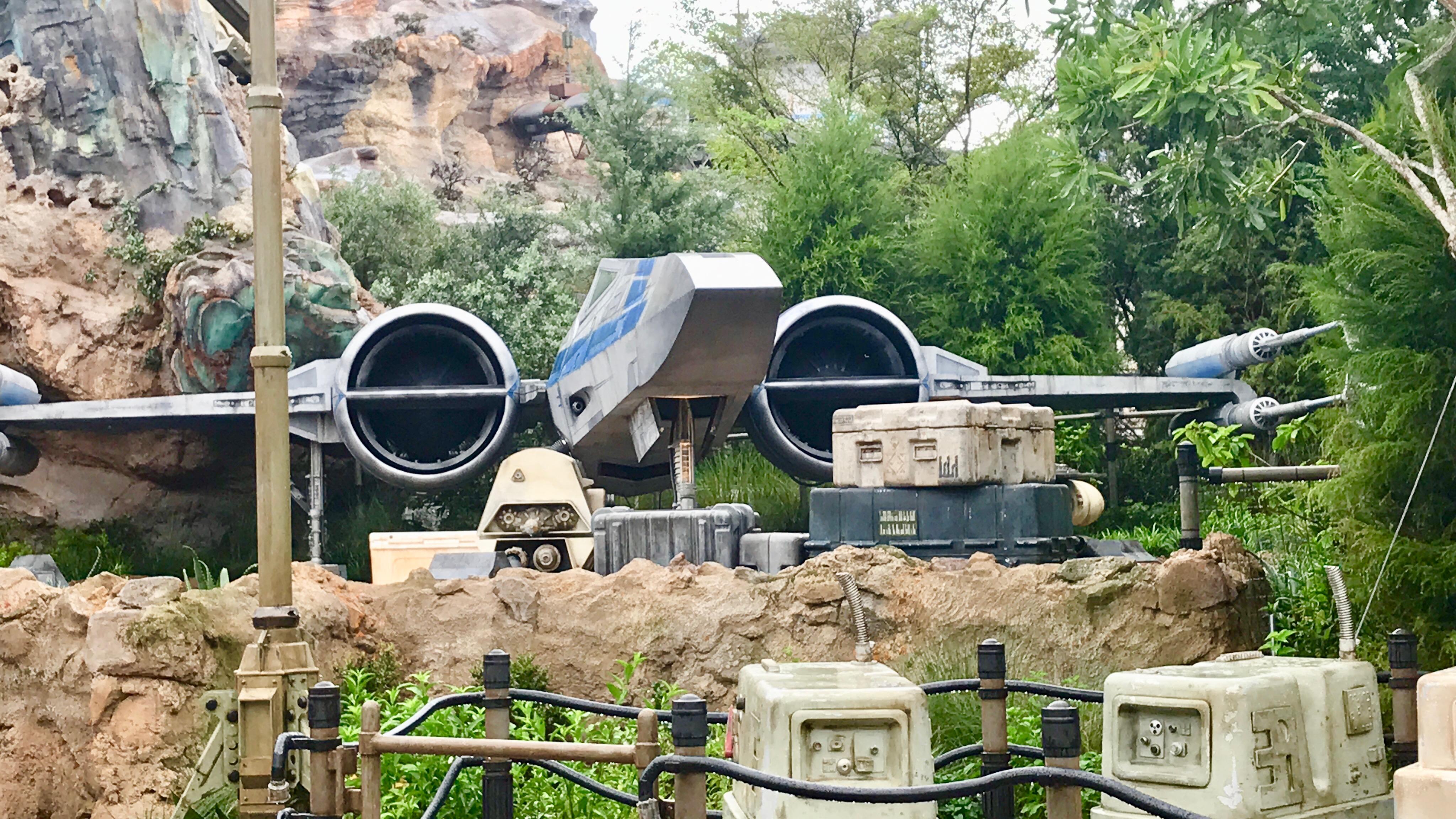 Star Wars Land Fighter ship