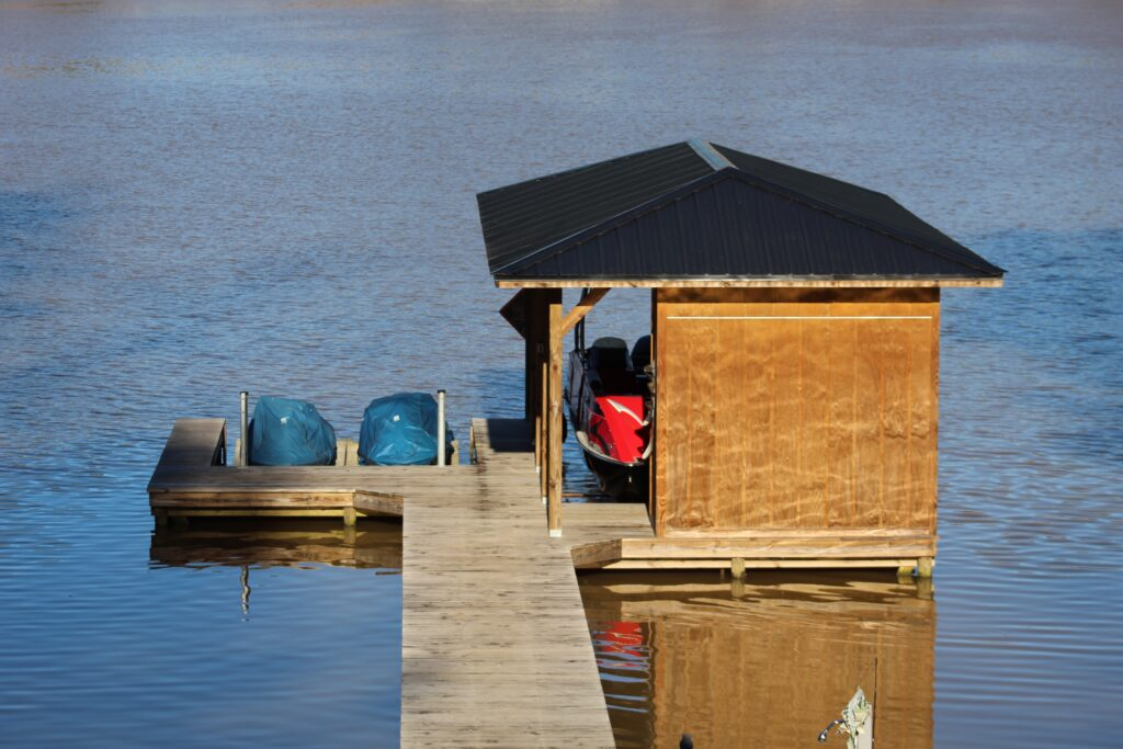Boat dock at Southern Water's Retreat