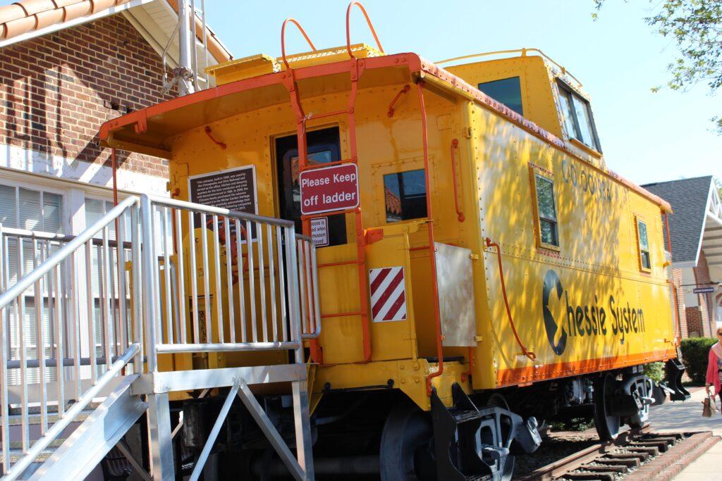 Train car outside Winter Garden Museum Orlando